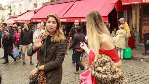scene-rue-filles-russesAugustin-Paris